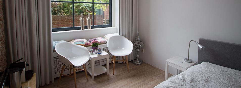 Ruime kamerrolstoelvriendelijk bed and breakfast Haarlem